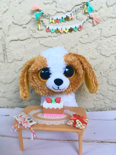 Happy Birthday to all August Beanie Boos! Cookie Eats Cake and Opens  Presents f817e9ab2b5